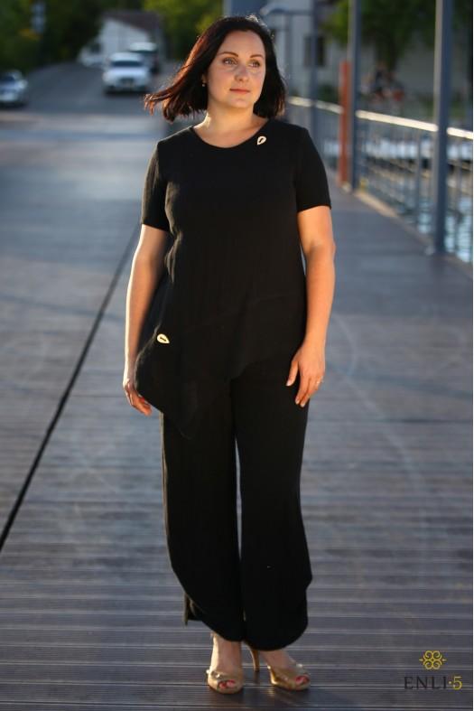 Juodas krepinio lino kostiumėlis